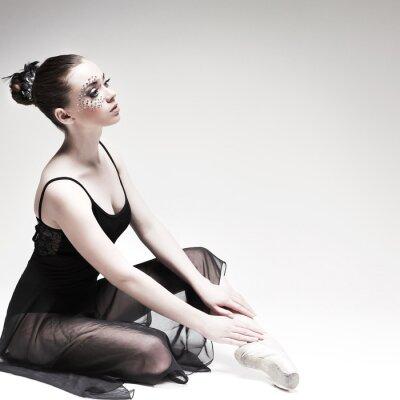 Quadro Linda ballet-dancer, dançarino estilo moderno posando em estúdio