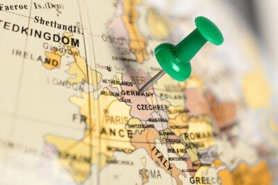 Quadro Localização Alemanha. Pin verde no mapa.