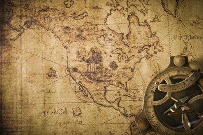 Quadro mapa antigo com bússola