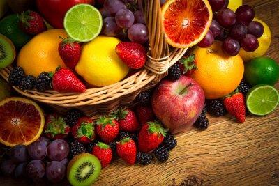 Quadro Mistura de frutas frescas em vime bascket