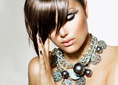 Quadro Moda Glamour Girl beleza com penteado à moda e maquiagem