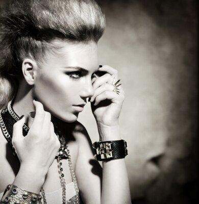 Quadro Moda Rocker Estilo Retrato Modelo Menina. Black and White
