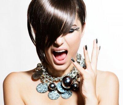 Quadro Modelo Retrato Menina. Emoções. Hair Style Trendy