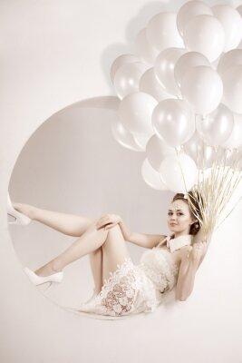 Quadro Mulher com balões nas mãos
