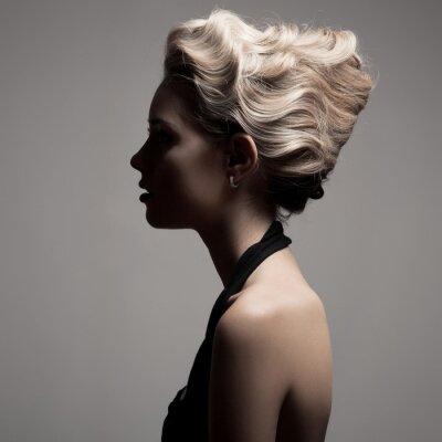Quadro Mulher loura bonita. Retro Imagem de Moda.