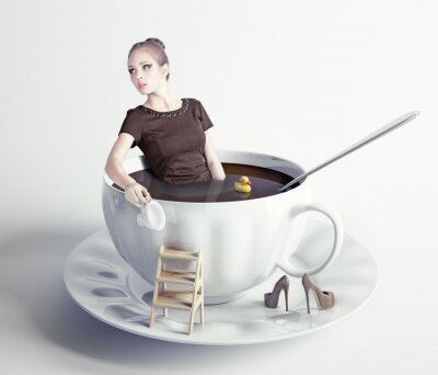 Quadro mulher na xícara de café