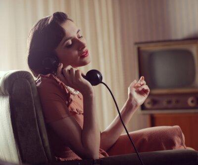 Quadro Mulher no telefone