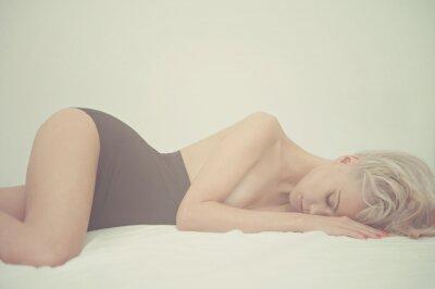 Quadro Mulher sensual na cama