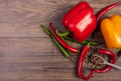 Quadro Na vista superior do pimentão, da pimenta doce e da pimenta picante