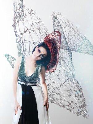Quadro net mulher no vestido monocromático