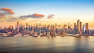 Quadro Panorama aéreo de arranha-céus de Manhattan em uma tarde ensolarada