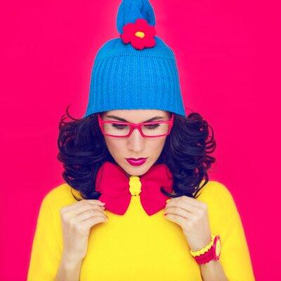 Quadro retrato da menina engraçado colorido com um arco