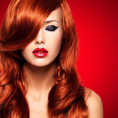 Quadro Retrato de uma mulher com longos cabelos vermelhos