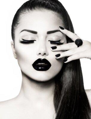 Quadro Retrato preto e branco Menina Morena. Trendy Caviar Manicure