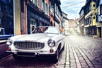 Quadro Retro car in old city street