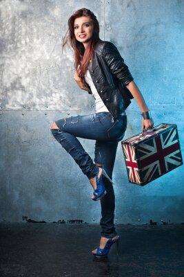 Quadro Rocha jovem com mala de viagem com bandeira britânica
