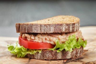 Quadro Sanduíche de pão de centeio com atum e legumes