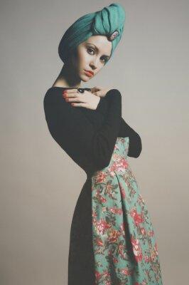 Quadro Senhora à moda refinada