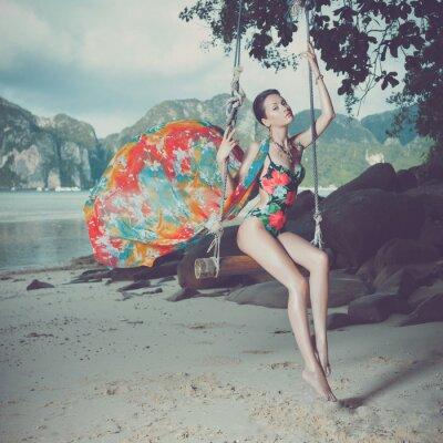 Quadro Senhora brilhante na praia