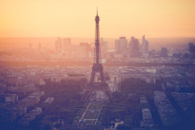 Quadro Sunset at Eiffel Tower in Paris with vintage filter