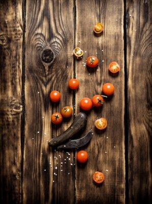 Quadro Tomates frescos e uma faca velha.