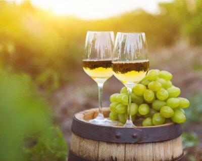 Quadro Uvas brancas e dois copos de vinho branco
