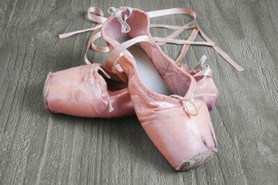 Quadro velhas sapatilhas de ballet rosa