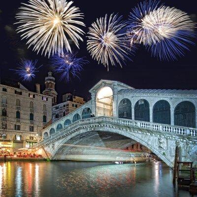 Quadro Veneza, fogos de artifício sobre a ponte Rialto por noite