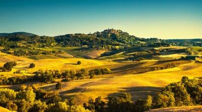 Quadro Verão da Toscana, vila medieval de Montepulciano. Siena, Itália
