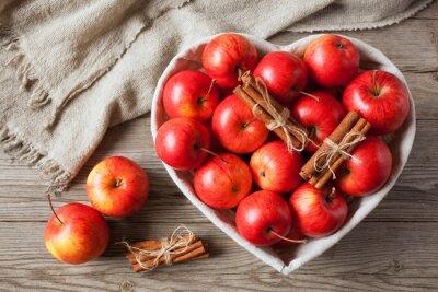 Quadro Vermelho, maçãs, canela