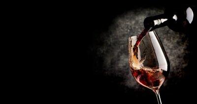 Quadro Vinho de derramamento no preto