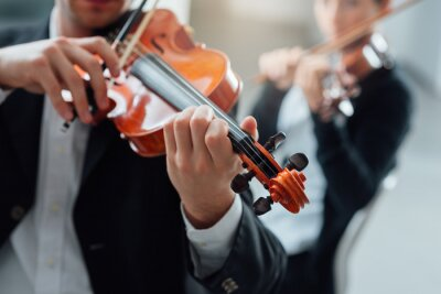 Quadro Violin duet performance